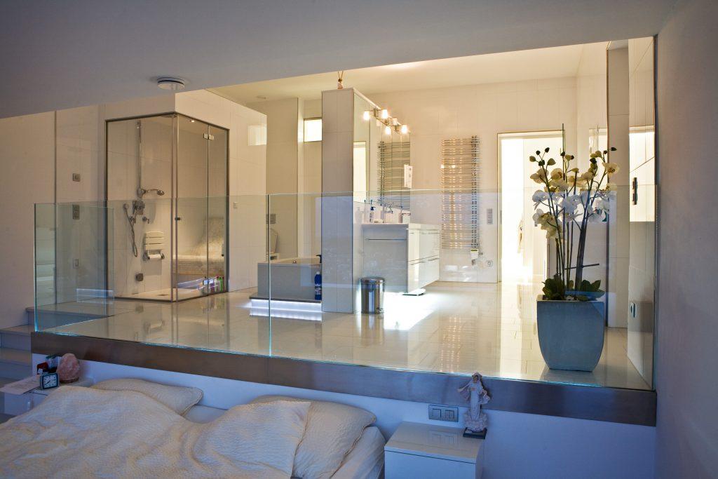 Master-Bedroom in der Luxus-Ferien-Unterkunft am Wörthersee